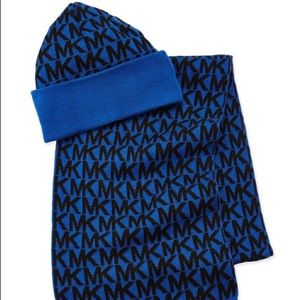 BLUE MICHAEL KORS SCARF AND HAT